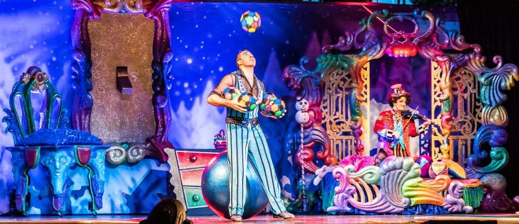 Gemini juggler